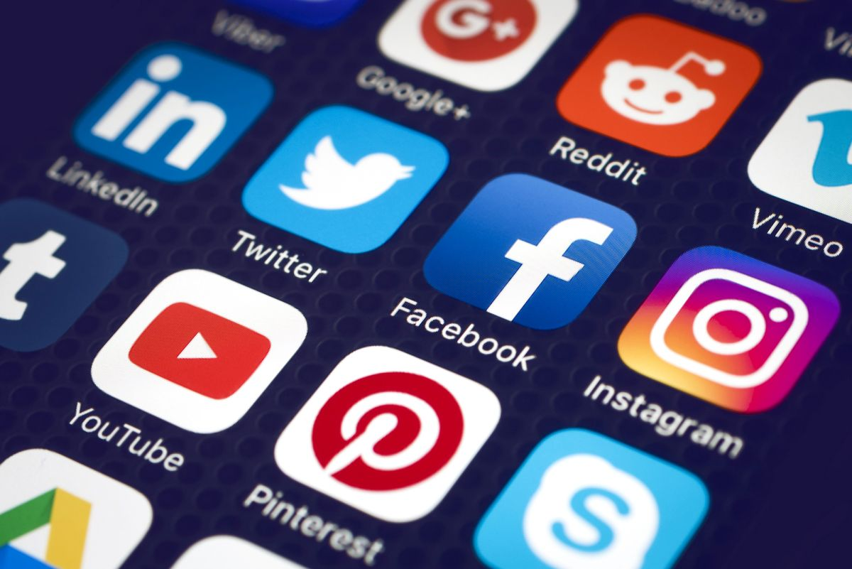 5 Tips to Reduce Social Media's Impact on Mental Health